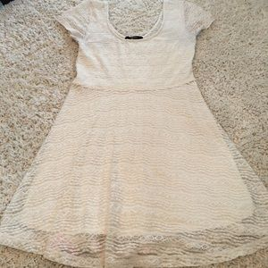 Forever 21 Cream Colored Lace Summer Dress